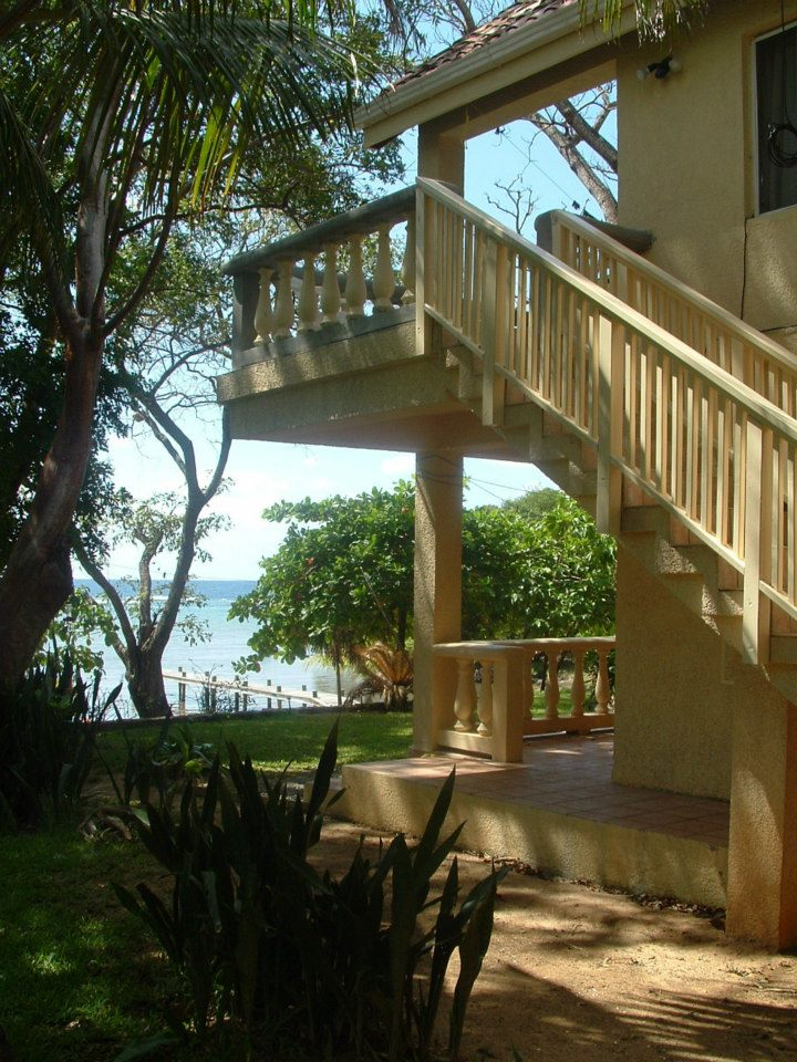 How Much Does It Cost To Live In Roatan Awalk On The Run