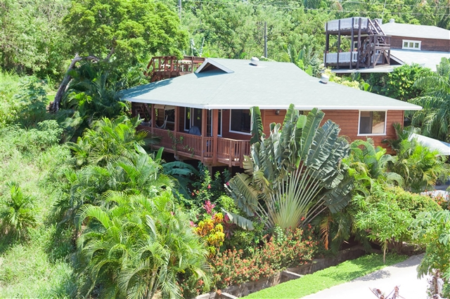 Roatan apartments